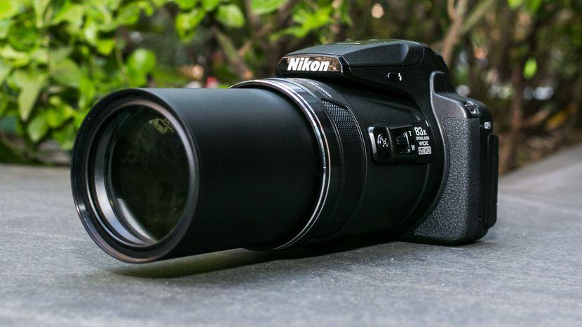 Nikon Coolpix P900 vs. D3400 2