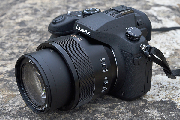 Nikon Coolpix P900 vs. Panasonic FZ1000 3